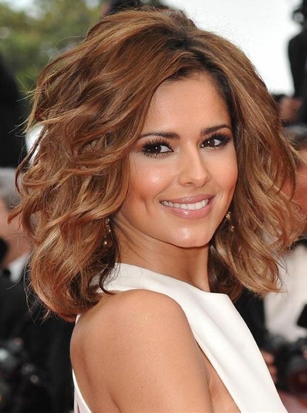 Medium Hairstyles For Thick Wavy Hair=== It's The Color That Does