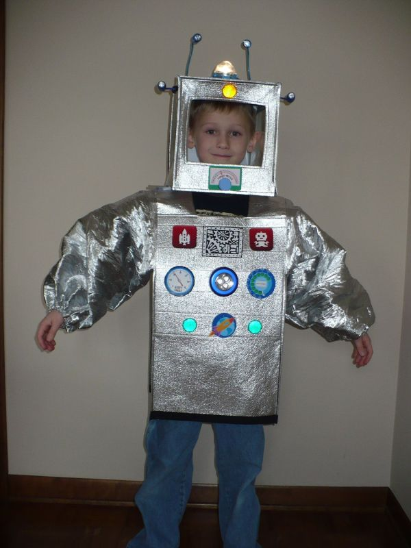 Robot Costume - Make Cardboard Boxes And