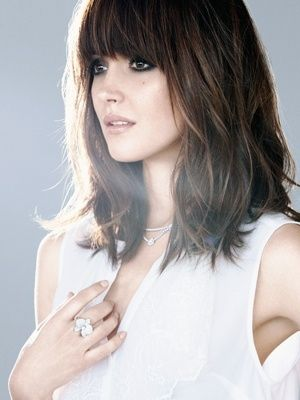 Rose Byrne Wears Vintage Bangs They Are Full Cover The Entire