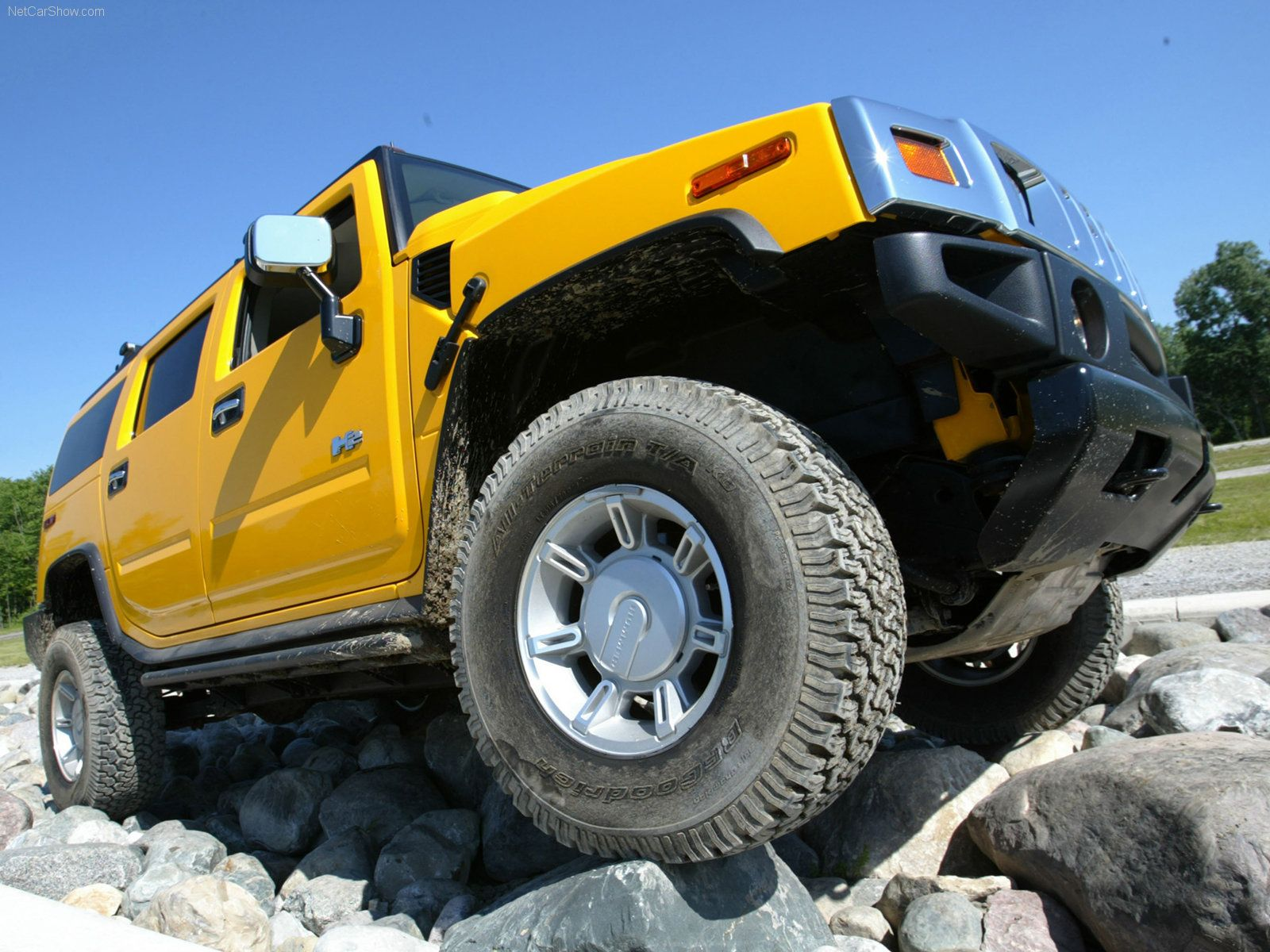 Yellow Hummer H3 f Road Wallpaper Hummers I Love