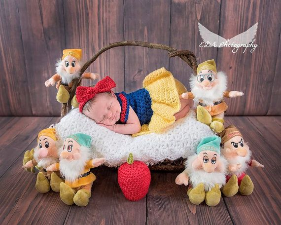 Crochet Snow White Set Photography by CuteNCuddlyCrochetTN