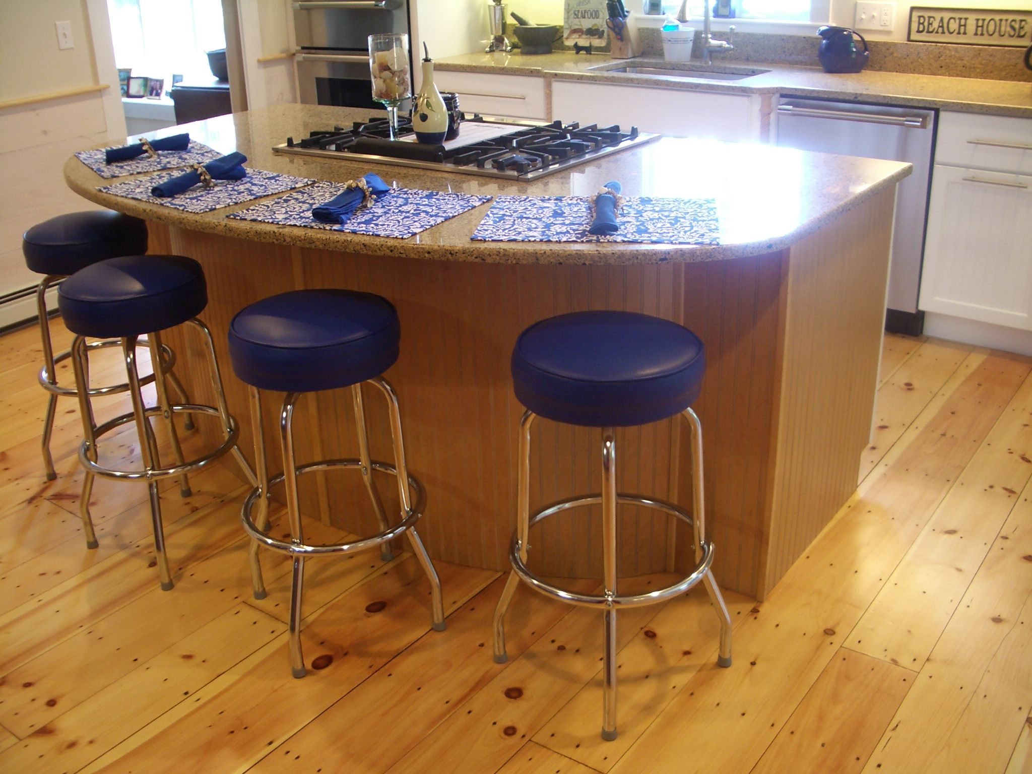 countertop stools kitchen pulls island wide pine floors blue