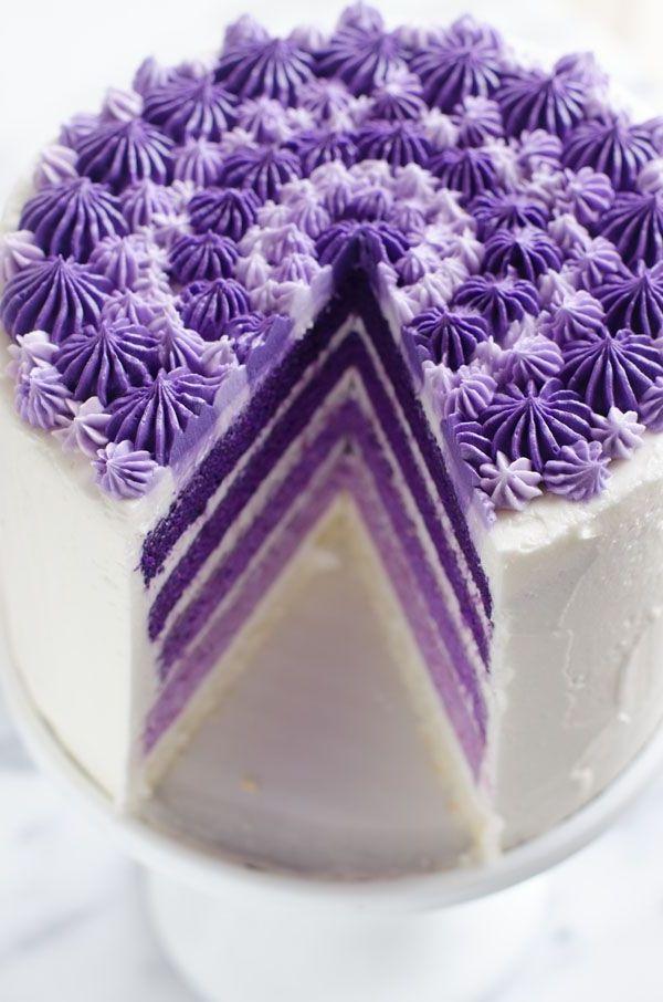 ausgefallene torten lila wei design elegant stilvoll