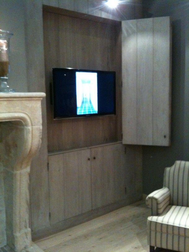 Leuk idee om de tv in de muur zo op te hangen