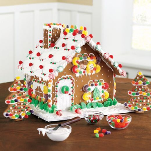 How To Build A Simple But Beautiful Gingerbread House