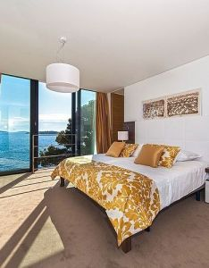 Modern beach house with nice interior and exterior bedroom television sets six pillows also rh pinterest