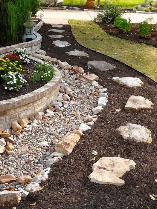 Dry River Rock For Yard Not Really This Version But An Idea