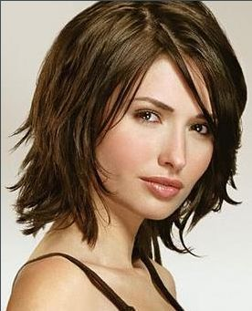Medium Frisuren Für Runde Gesichter 2015 Frisuren Pinterest
