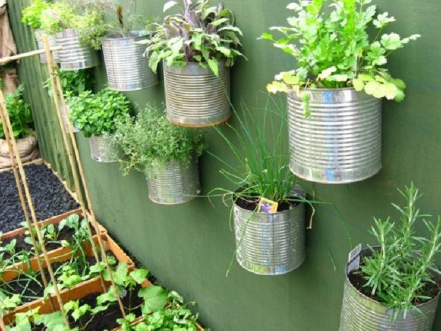 10 Recycled Ideas For Your Garden Gardens Recycled Materials