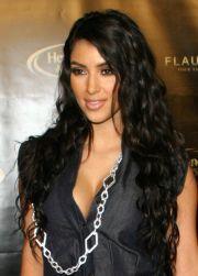 hair curls kim kardashian