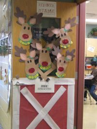 Reindeer Door Decoration Ideas | Reindeer Stable Door ...