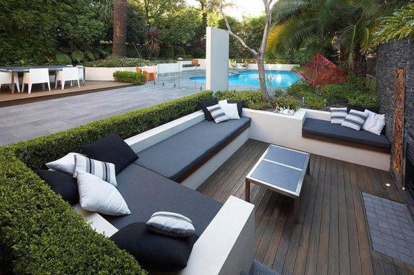 Comfortable Outdoor Seating Area for Cozy Patio Sunken