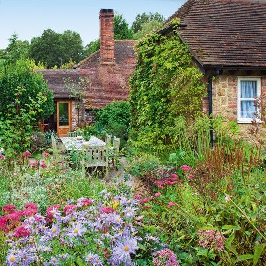 Country Cottage Garden Tour Gardens Country And English Cottages