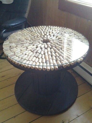 Table De Salon Fabrique Avec Un Rouleau De Bois Pour