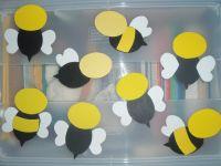 DIY Bumble Bee Door Decorations | classroom ideas ...