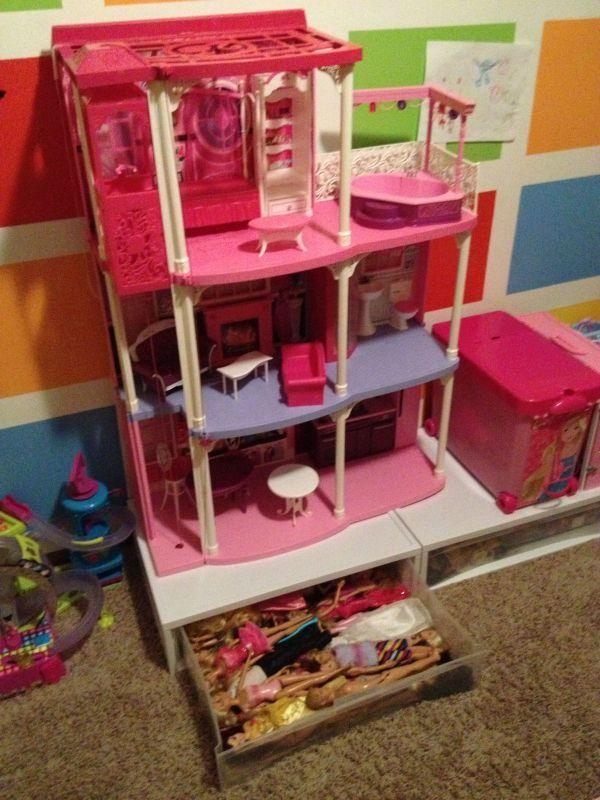 Barbie Dreamhouse Storage