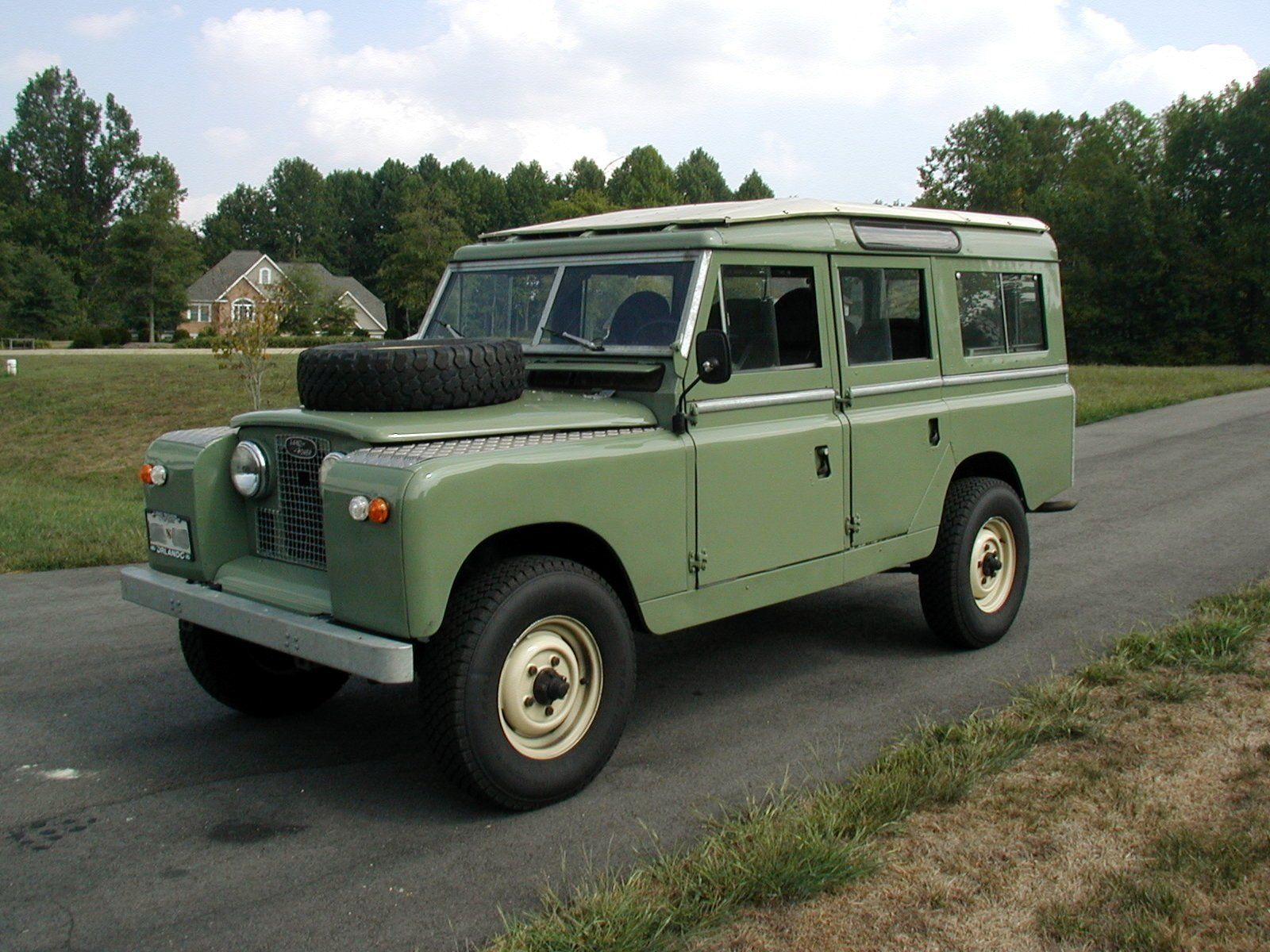 LandRoverIIALWB Land Rover Series the free