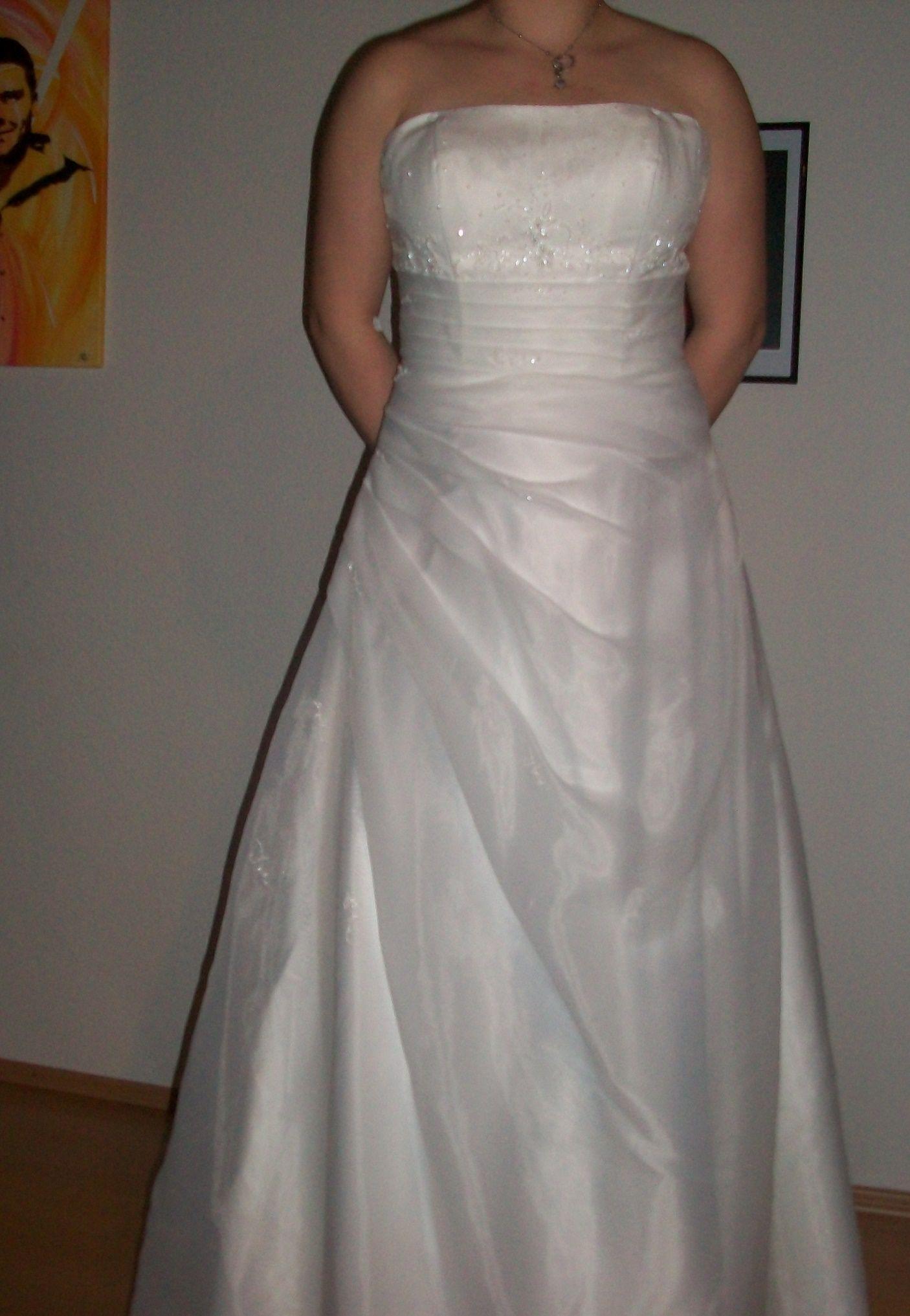 ♥ Neues Ungetragenes Brautkleid ♥ Ansehen