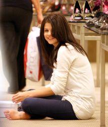 Selena Gomez Celebs Love