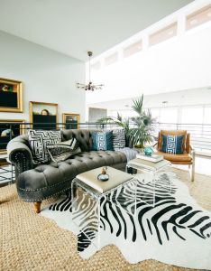 living room with variety of prints creates personality also ingenious designer decorating secrets that won   break the bank rh in pinterest