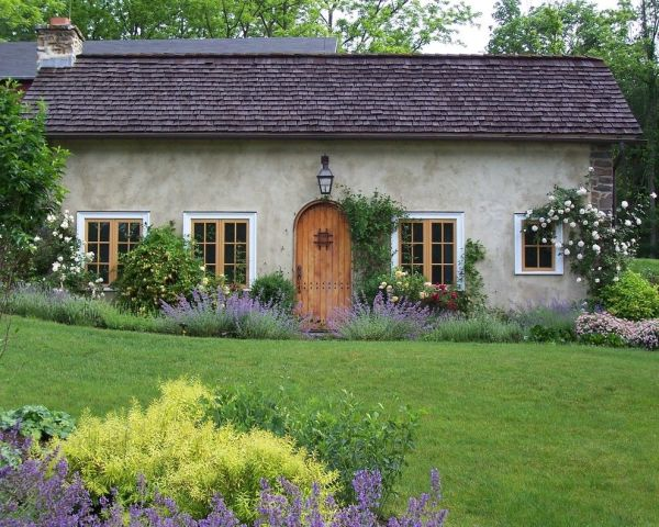 breathtaking cottage style wall