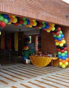 Balloon backdrop also coolest mario birthday party ever vbs pinterest rh