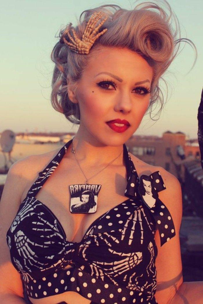 Interessante Dame Mit Rockabilly Frisur Blonde Pin Up Haare