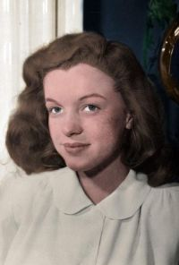 Marilyn Monroe Without Makeup and with Natural Hair Color ...