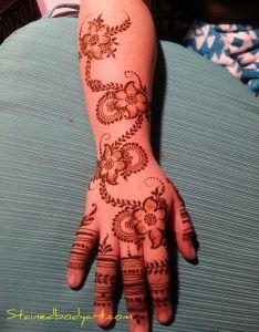 Stained bodyart also henna mehndi heena enna indian arabic rh pinterest