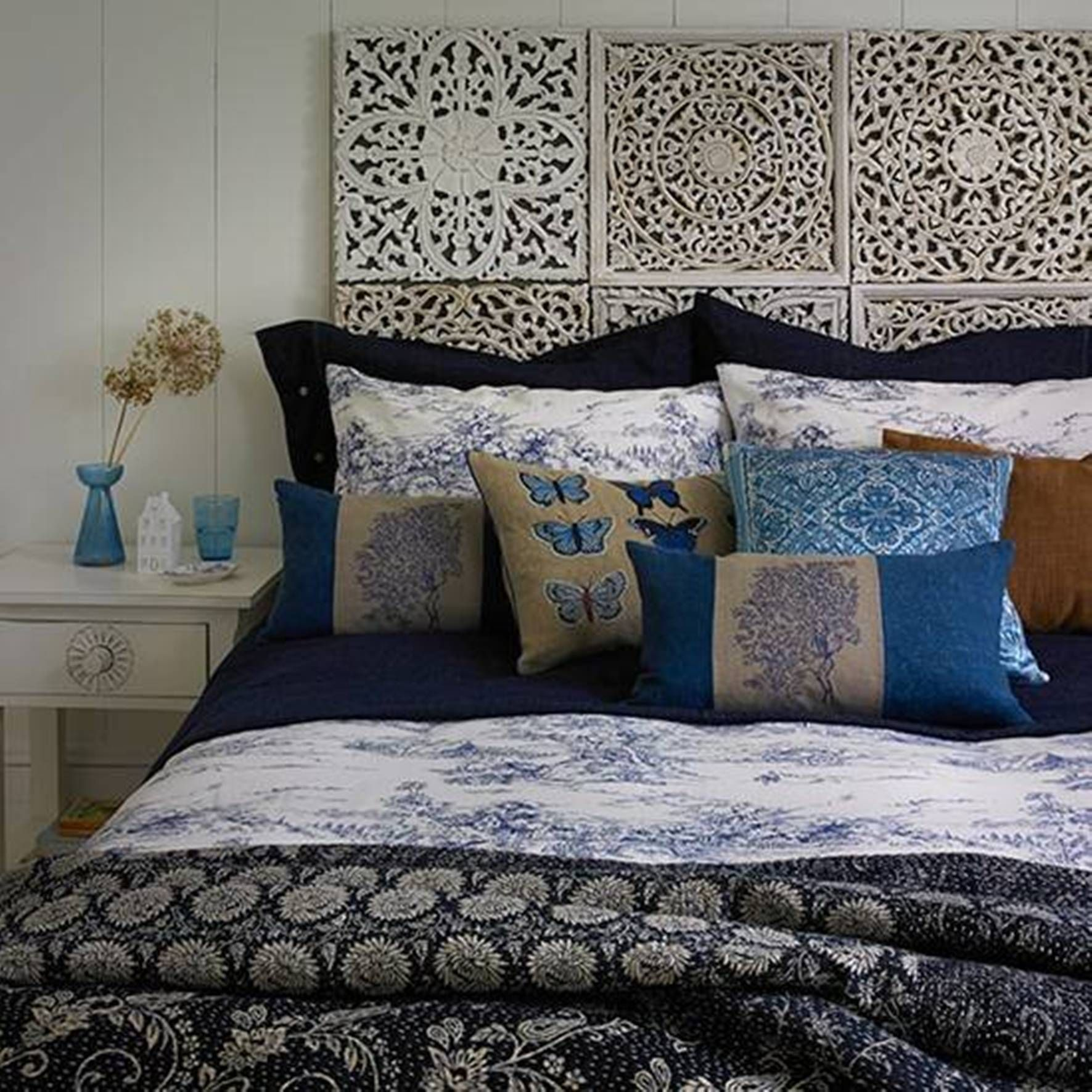 Home Design and Decor , Decorating Beds Without Headboards