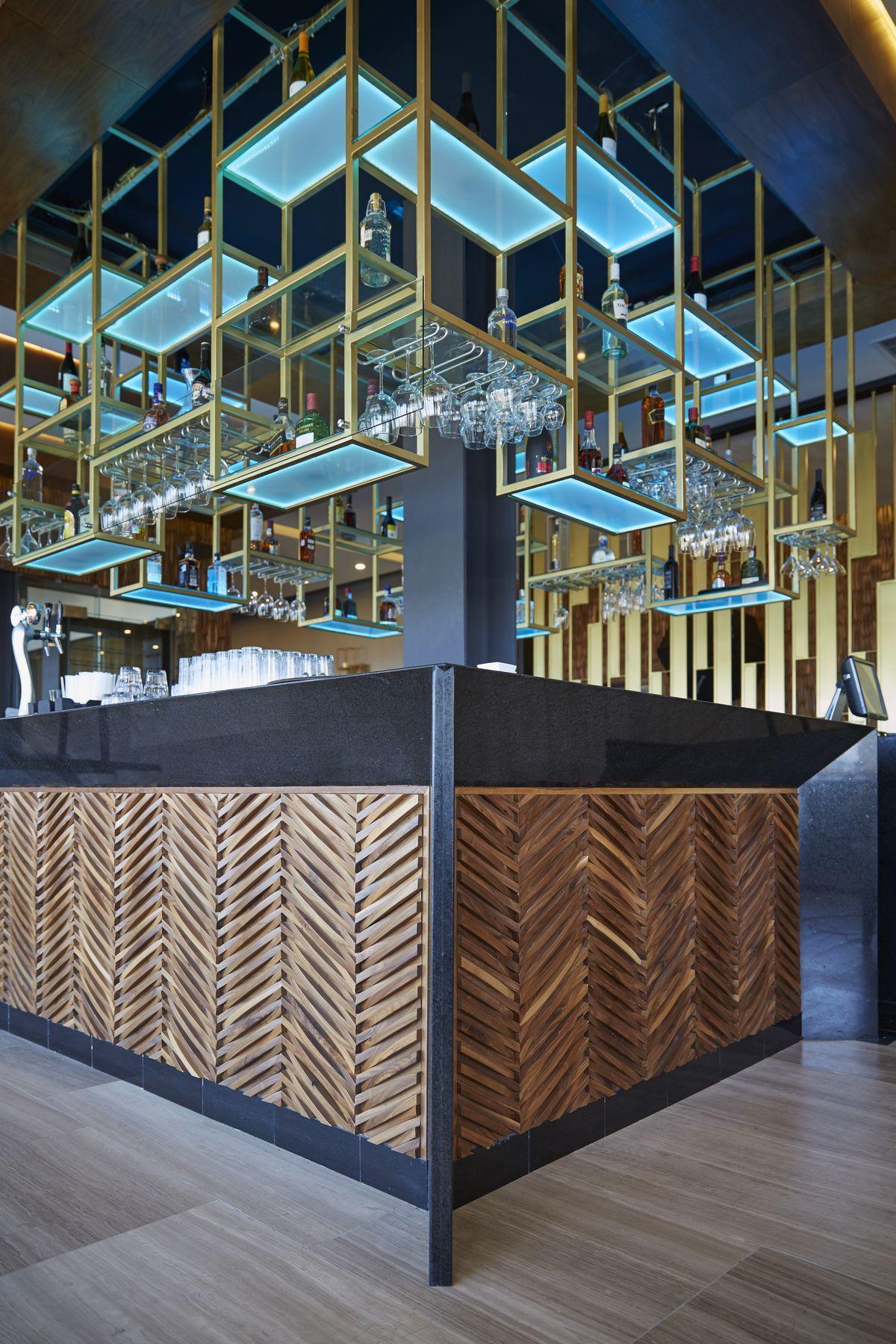 restaurant supply chairs french bistro cb480b505f4190fbc98dc7ed3f53b51b.jpg (1200×1800) | hotel bars & clubs pinterest bar ...
