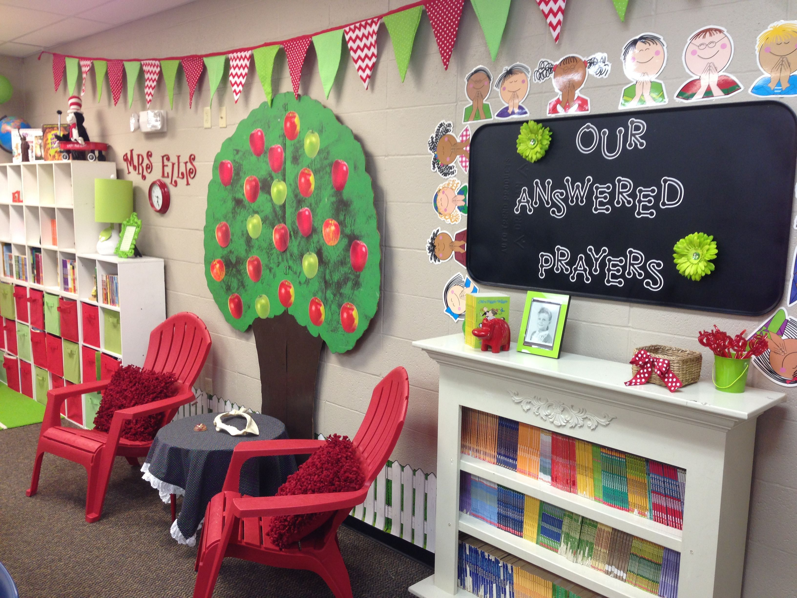 Conway Christian 4th Grade Apple Theme Classroom