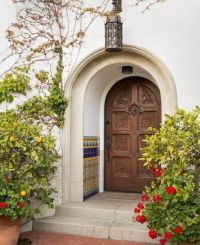 Tour a Classic 1920's Spanish Colonial-Style Home in ...