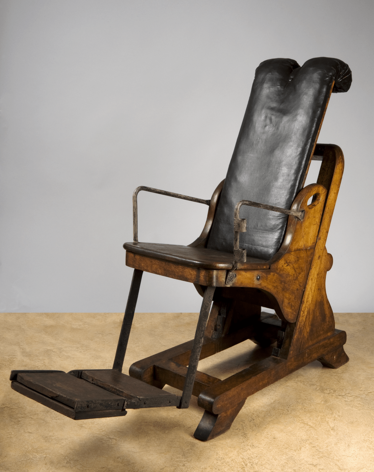 antique dentist chairs comfy deck adjustable dental chair england 1701 1800 www