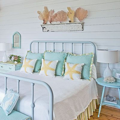 100 Comfy Cottage Rooms Cottage Style Beach And Painted Beds