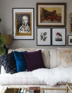 Beautiful eclectic living room with  cozy couch fur pillow and small wall also wir stellen vor ein hausbesuch mit unserem interior partner made rh pinterest