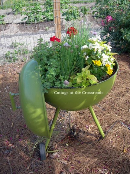 A Roundup Of Creative Garden Containers Gardens Container
