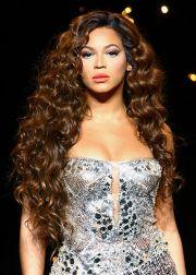 beyonce's hair inspires curls