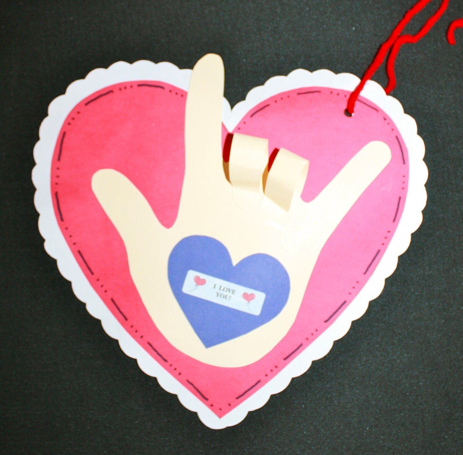 The 25 Best Kissing Hand Preschool Ideas