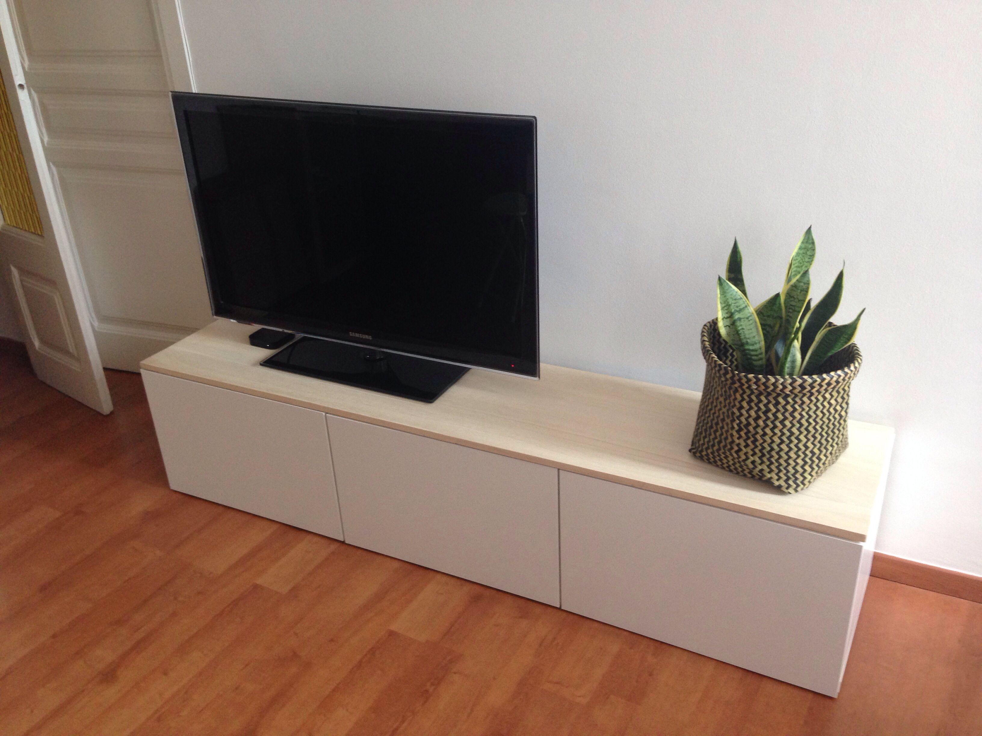 Mueble TV Besta Blanco de Ikea Decorado con tabln de madera de pino  Decor  Pinterest