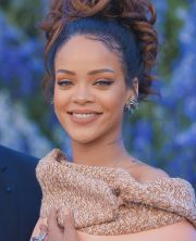 rihanna hairstyles in 2017