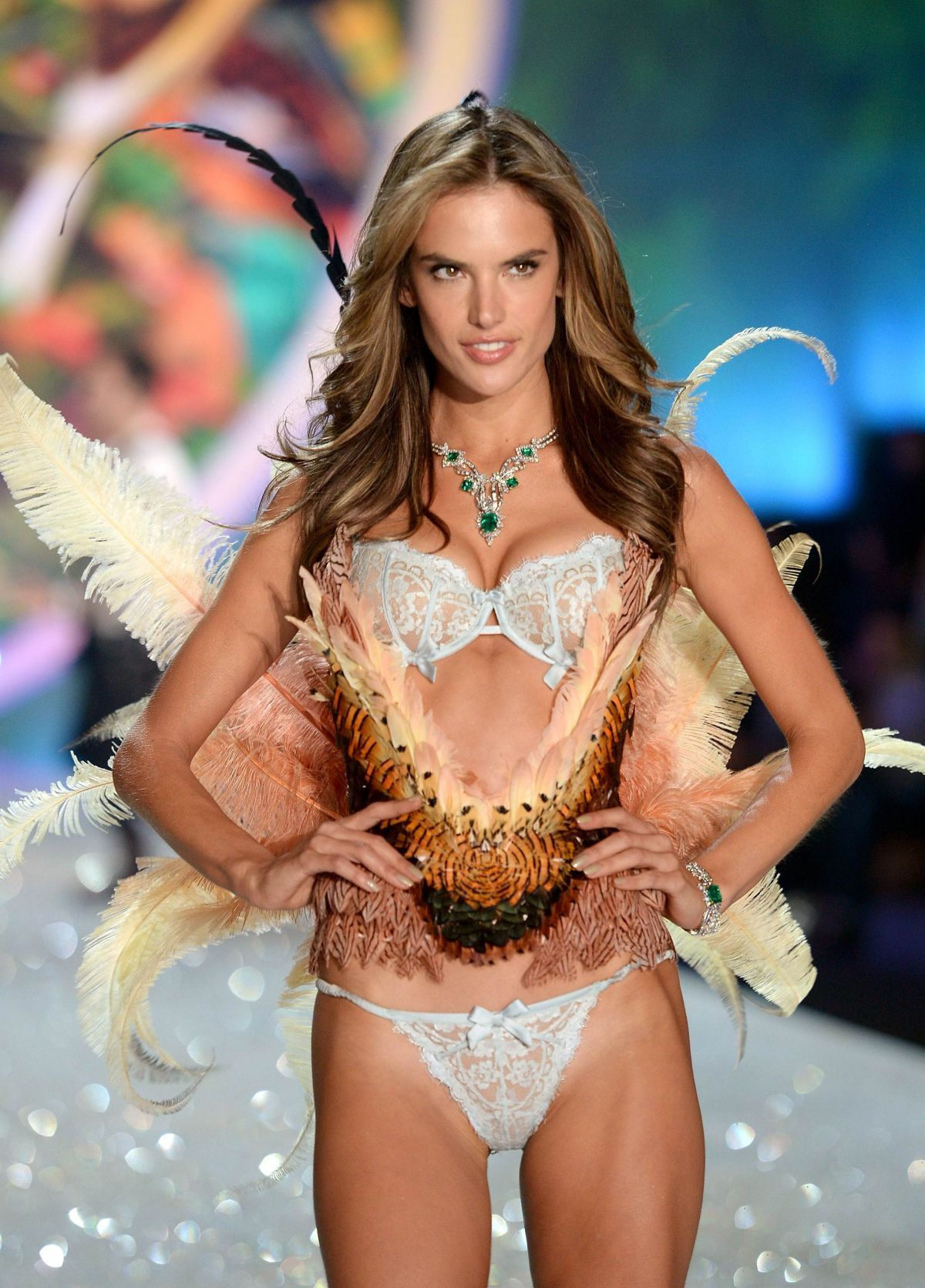 Wonderful! 5 Moves To Get A Tight, Toned Body Like Victoria's Secret Model Alessandra Ambrosio