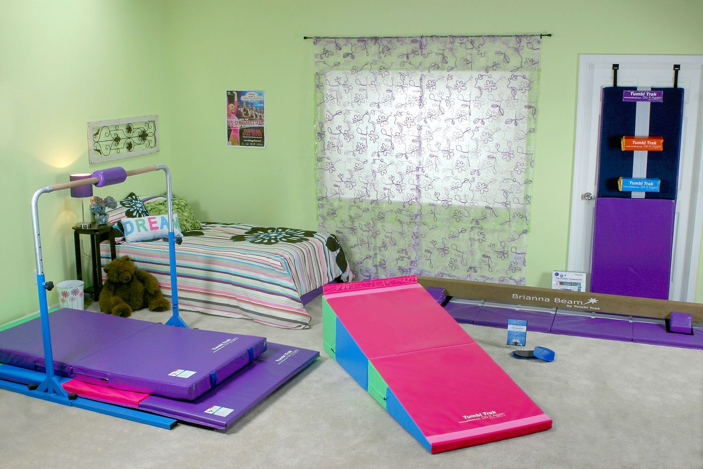 25+ best Gymnastics bedroom ideas on Pinterest
