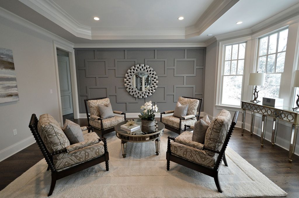 Traditional Living Room with Shiloh Spool Chair, Crown