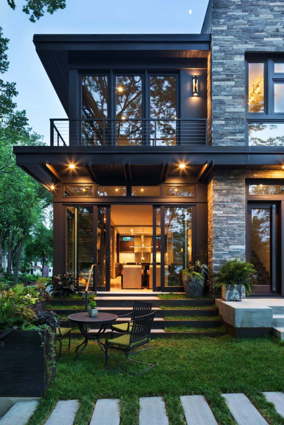 Idyllic contemporary residence with privileged views of Lake Calhoun  Rock Dark and House