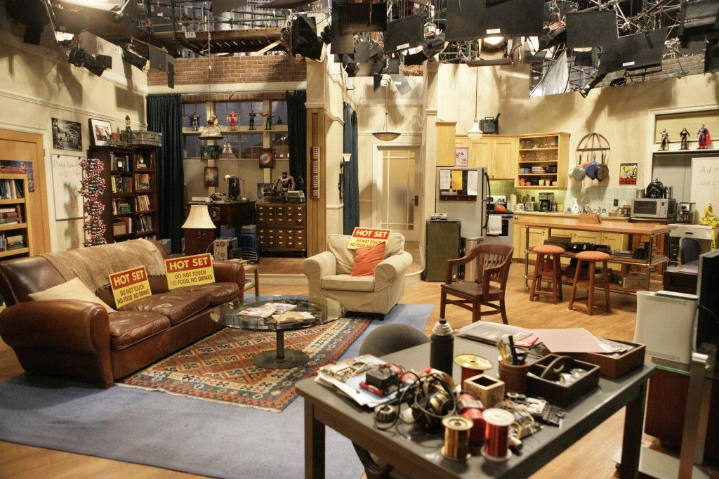 The Big Bang Theory Set Decor Sheldon And Leanord S