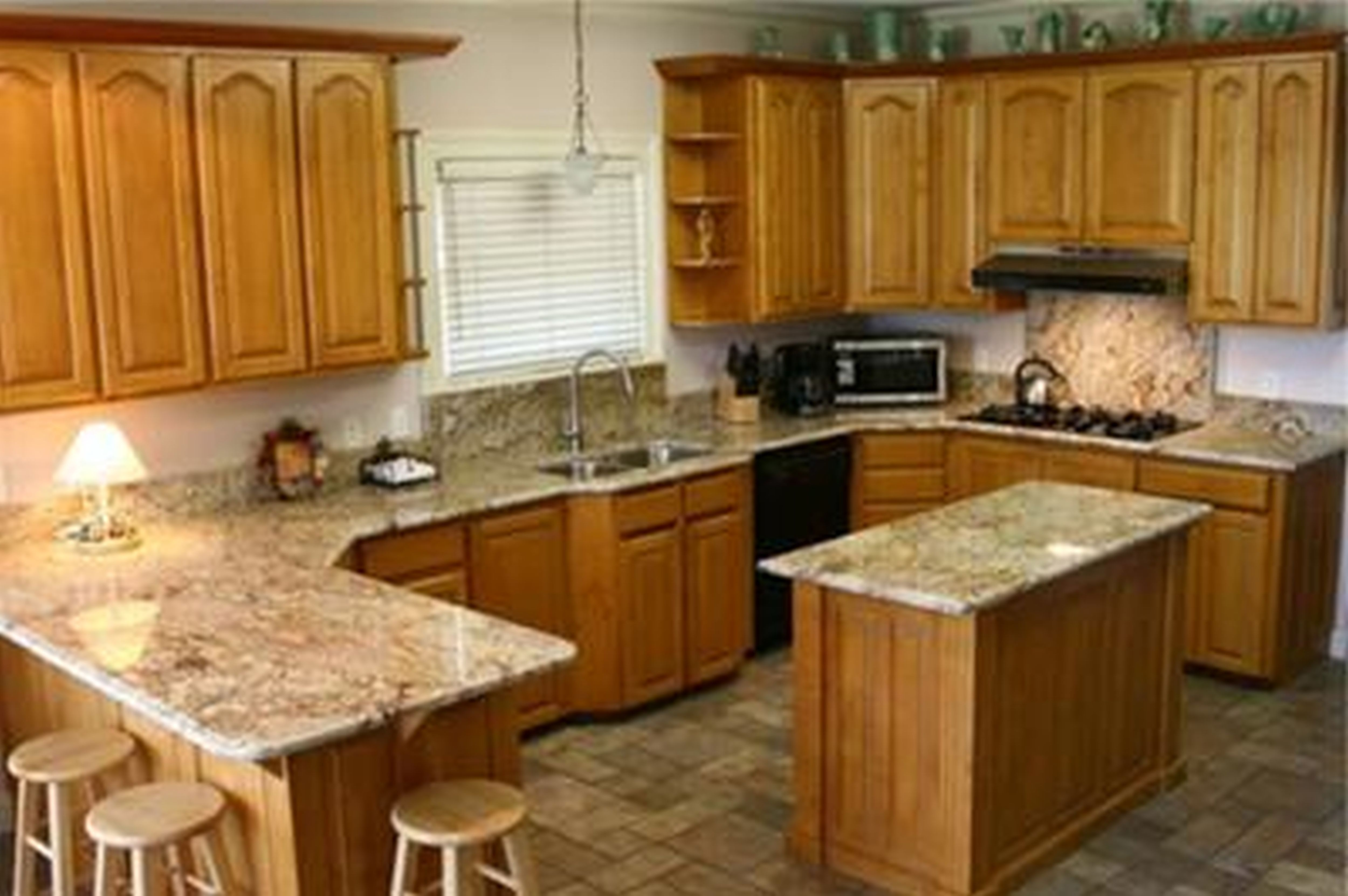 kitchen cabinets and countertops chrome chairs golden oak with quartz google search kitchens
