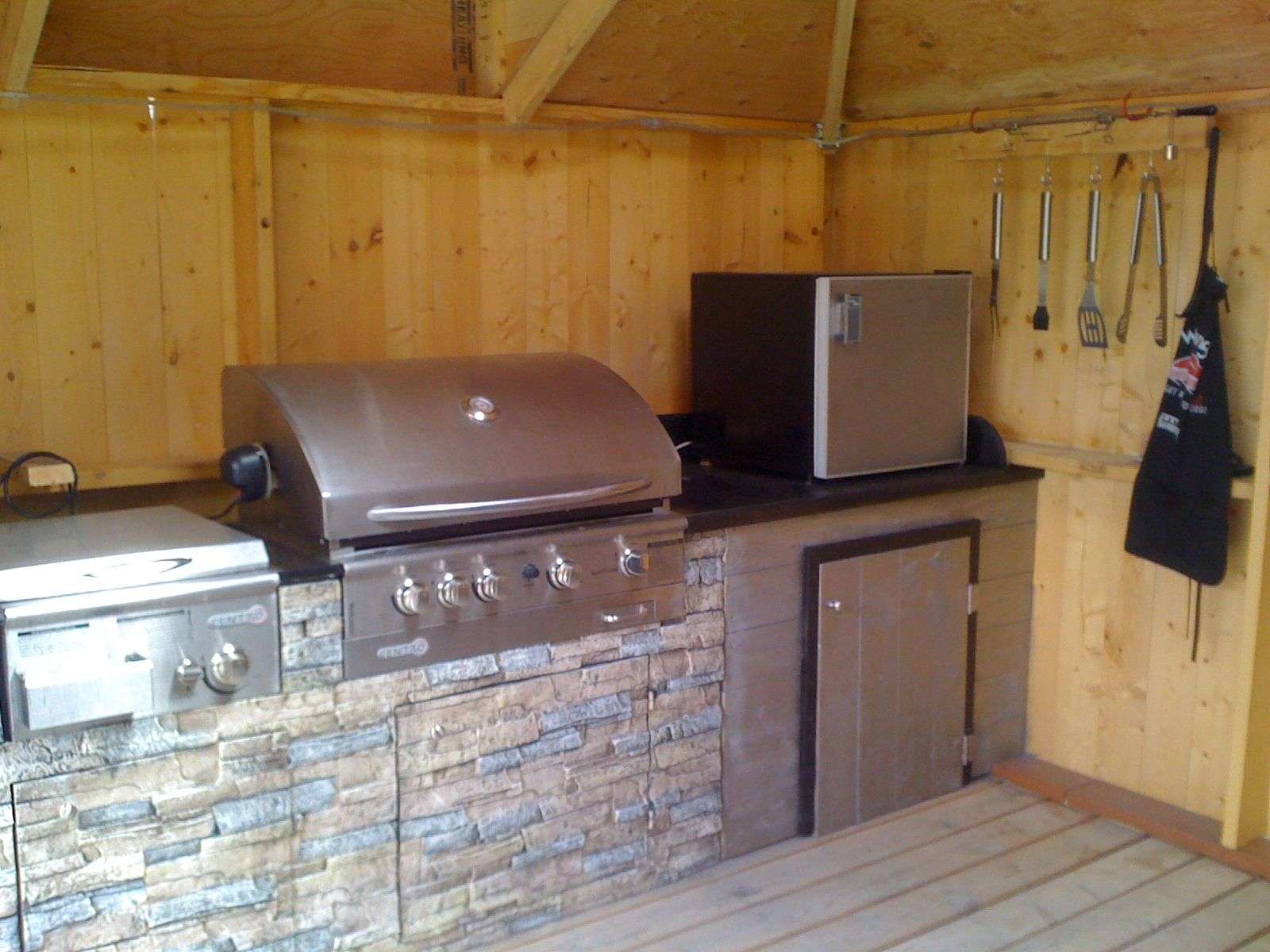 outdoor kitchen exhaust hoods discount cabinets jacksonville fl here 39s a inside three sided gazebo with