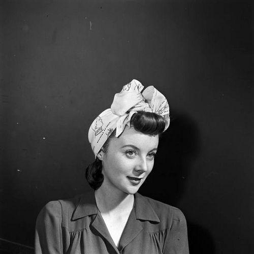 Tying A Scarf 1940s Head Wrap Style Pinterest Wraps 1942