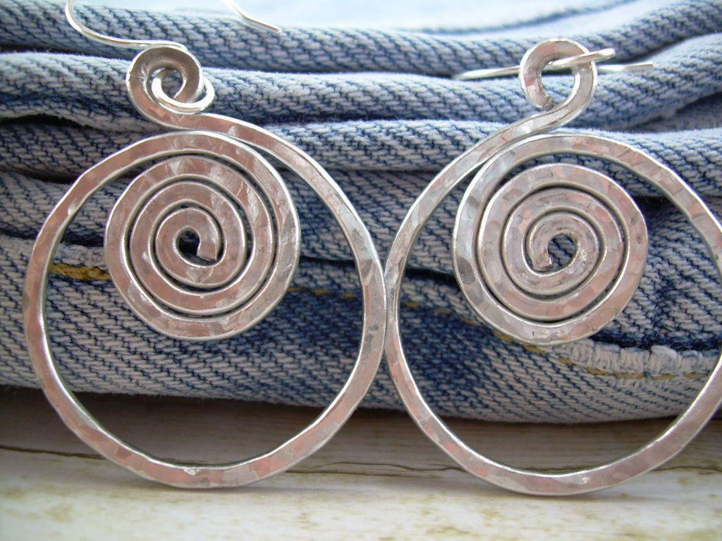 Hammered Aluminum Earrings Aluminum Wire Earrings Silver